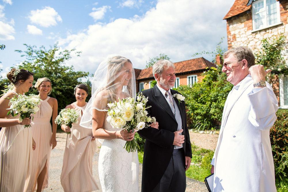 170818 - Berkshire Wedding Photographer-22.jpg