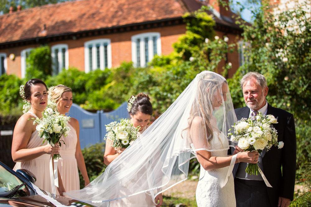 170818 - Berkshire Wedding Photographer-23.jpg