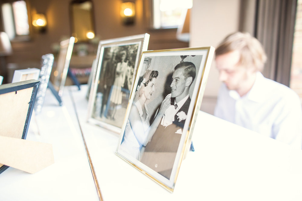 170818 - Berkshire Wedding Photographer-45.jpg