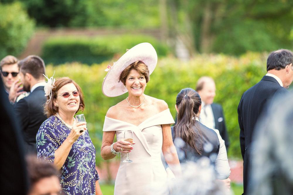 170818 - Berkshire Wedding Photographer-48.jpg