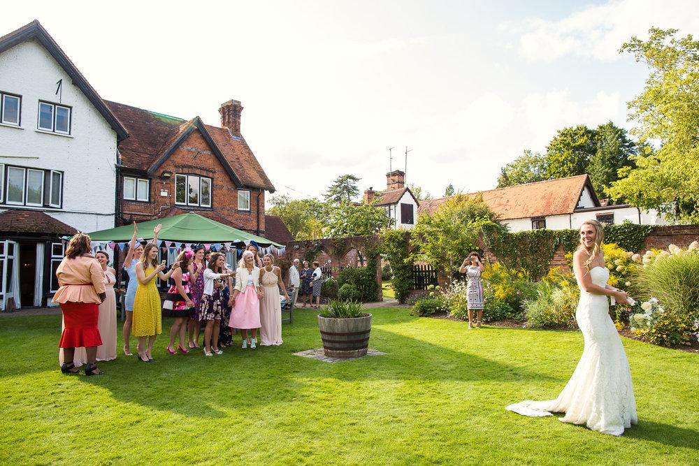 170818 - Berkshire Wedding Photographer-52.jpg