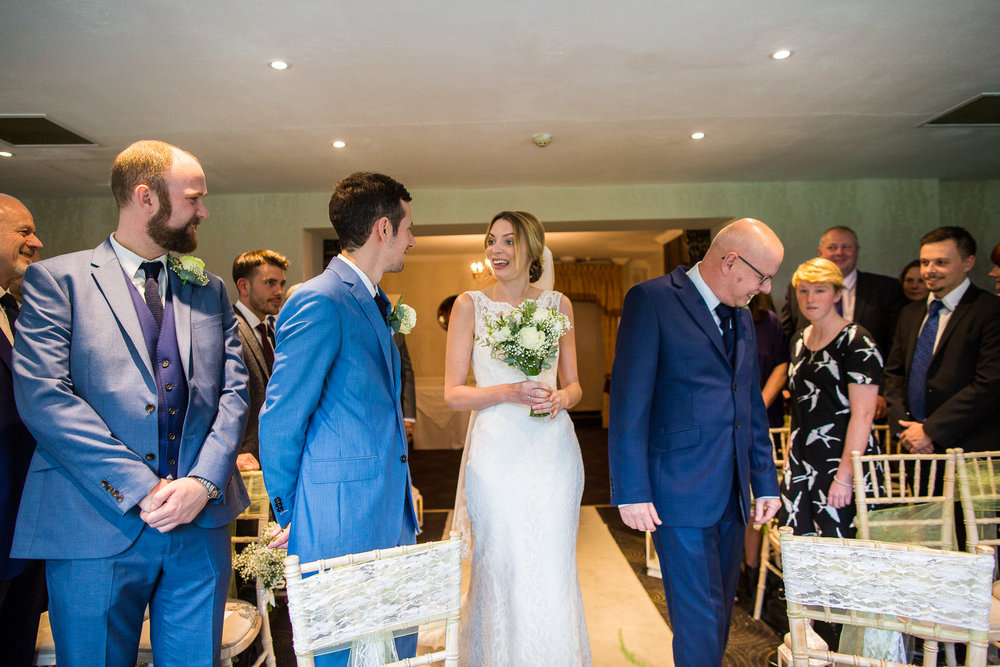 171007 - Berkshire Wedding Photographer-167.jpg
