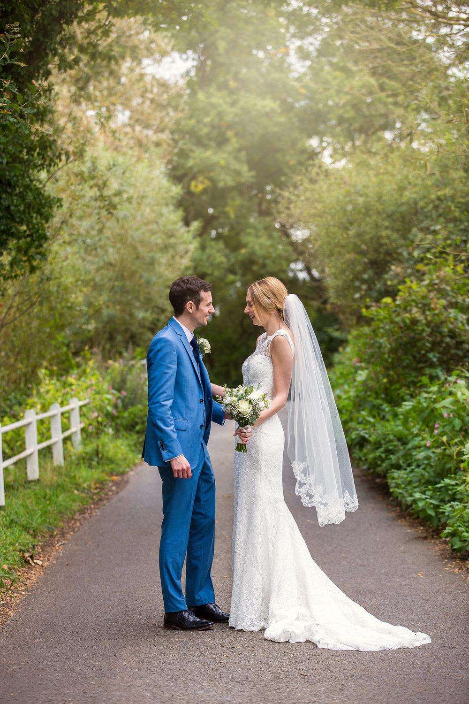 171007 - Berkshire Wedding Photographer-357.jpg