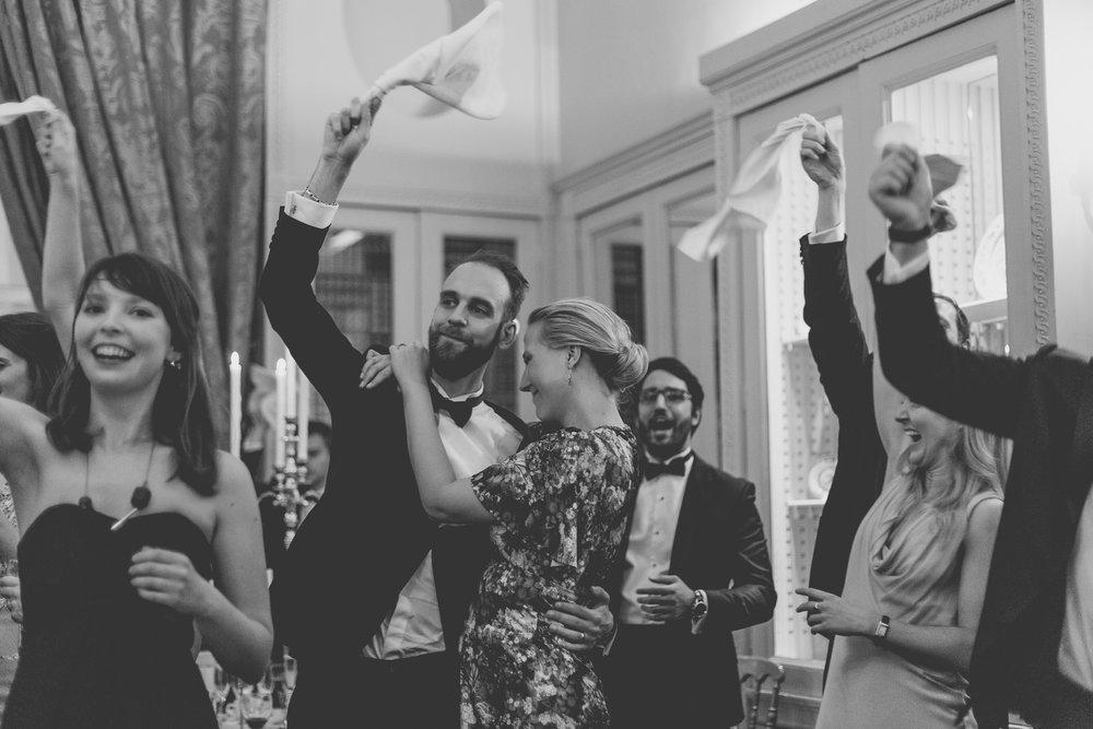 171104 - Buckinghamshire Wedding Photographer-580.jpg