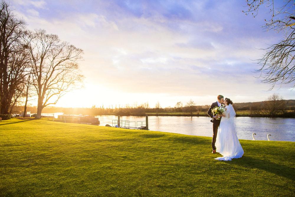 171229 - Buckinghamshire Wedding Photographer-259.jpg