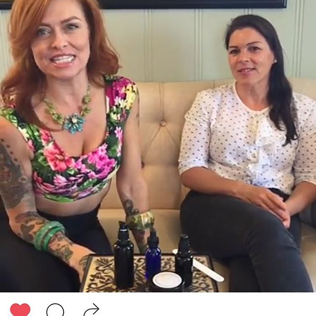 Video tutorial from  @melissa_lyn_hair  and @closetotheearth.love #skincare #tutorial #ecobeauty #greenbeauty #conscious #lifestyle https://instagram.com/p/BIQxiEKjrbm/