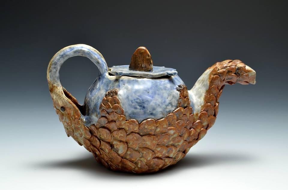 pangolin_teapot_by_like_a_surr-d7mckya.jpg
