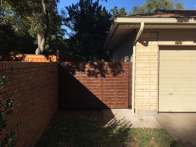 Finished horizontal fence front left
