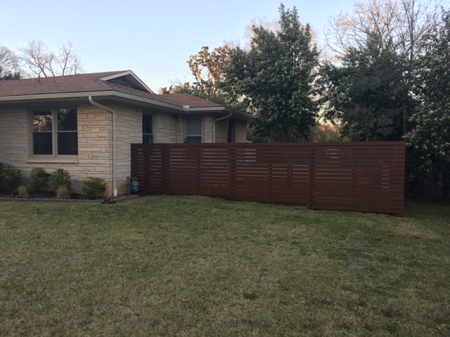 Finished horizontal fence front right