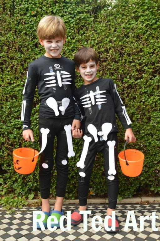 Last Minute Halloween Costumes - Paper Skeleton