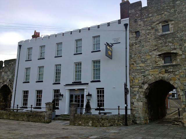 Hotel review - The Pig in The Wall