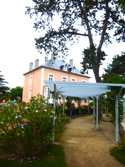 Oh Christian Dior…what a lovely home
