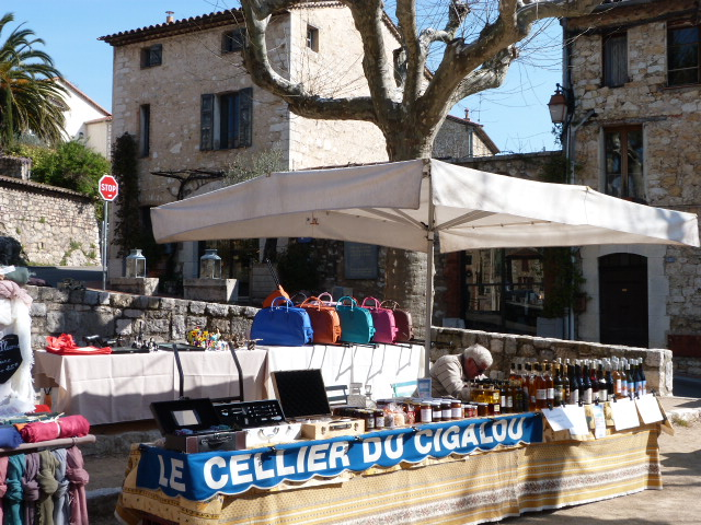 Market Day in Provence - The Lou Messugo Blog