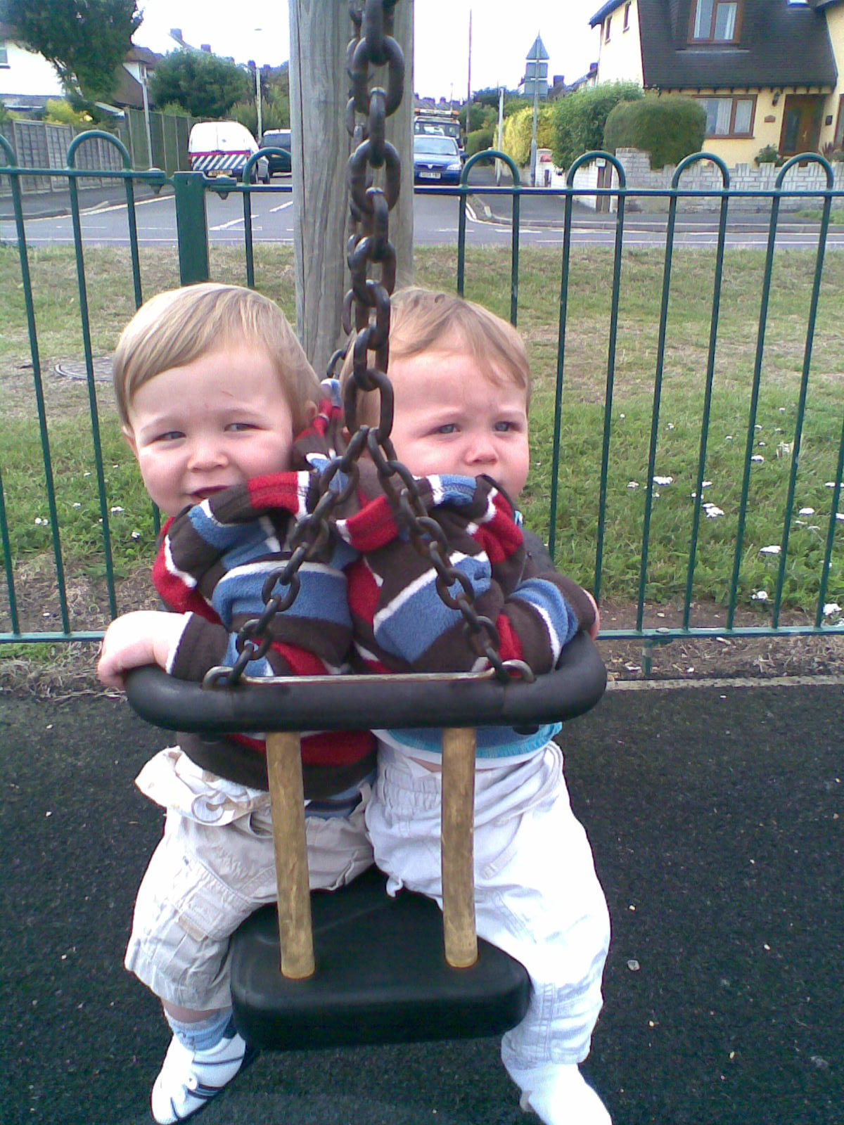 20 Life Hacks for Parents of Twins
