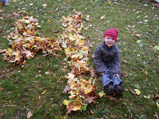 Fall activities for Kids: Playing in leaves
