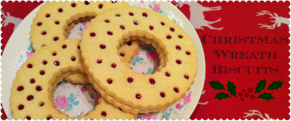 How to make Christmas Wreath Biscuits