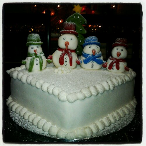 Decorating Our Christmas Cake