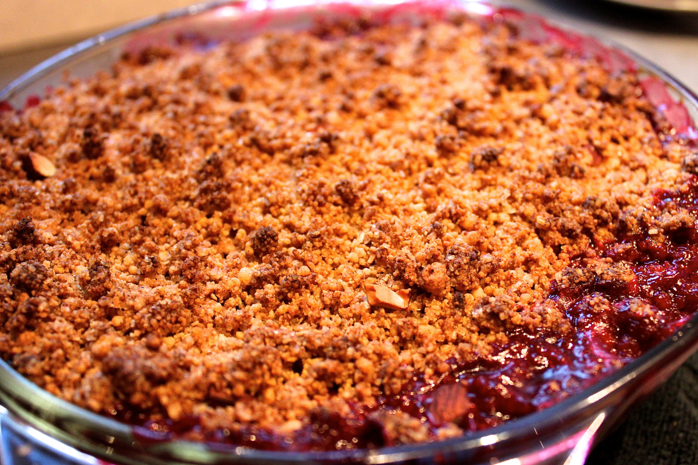 Apple & Blackberry Crumble with Cinnamon & Almonds | Winter Warmer Wednesday