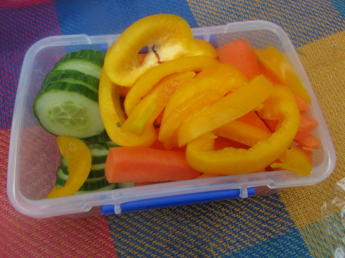 How to make a healthy picnic for kids