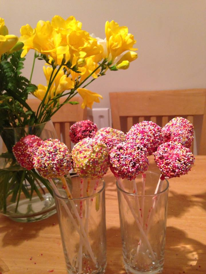 Cake Pop Chaos (aka behind the scenes food blogging)
