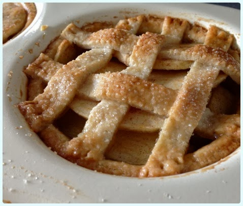 Individual Apple and Cinnamon Pies