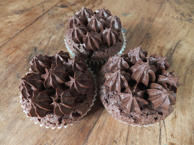 Chocolate cupcakes and the secret to great gluten-free cakes!