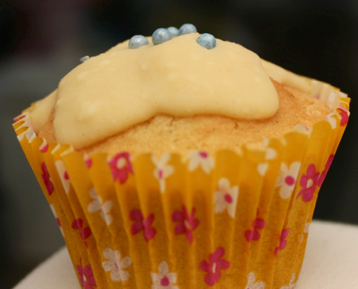 Cupcakes with white chocolate icing
