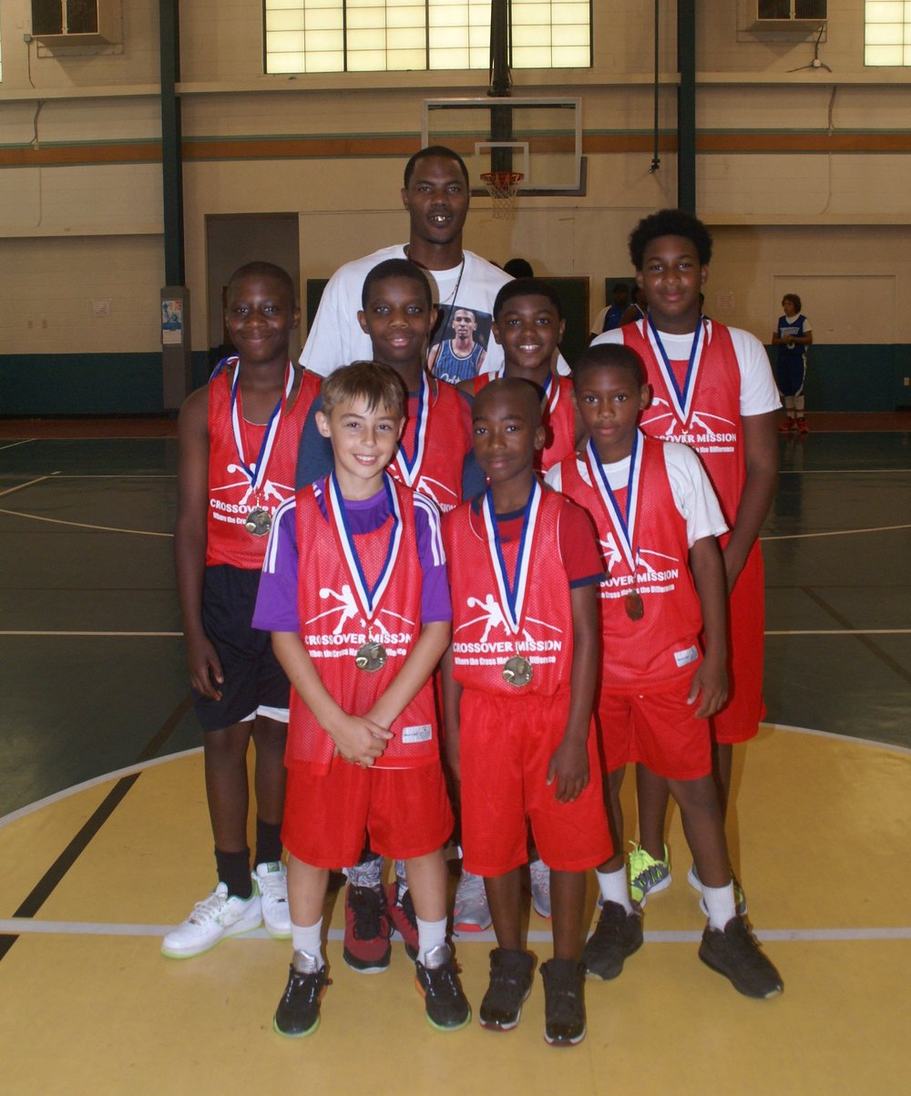 Six Grade Crossover Champions Team Photo.JPG