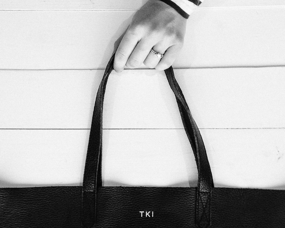 cuyana leather tote bag