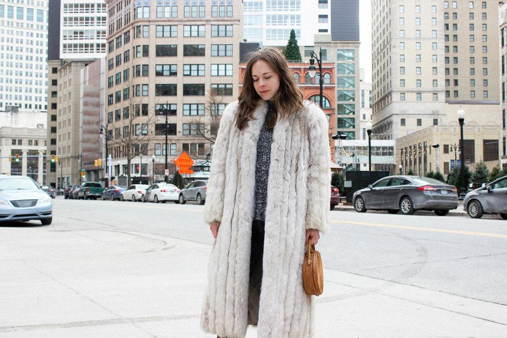 vintage fur coat - taylorkristiina.com
