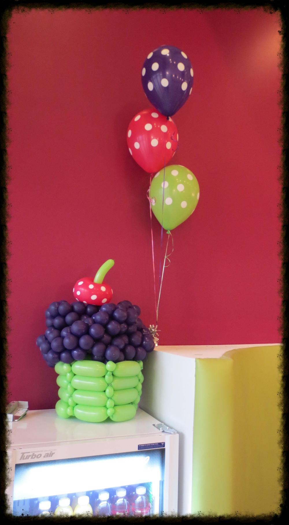 yogurtcupcake2_zps334fc1ef.jpg