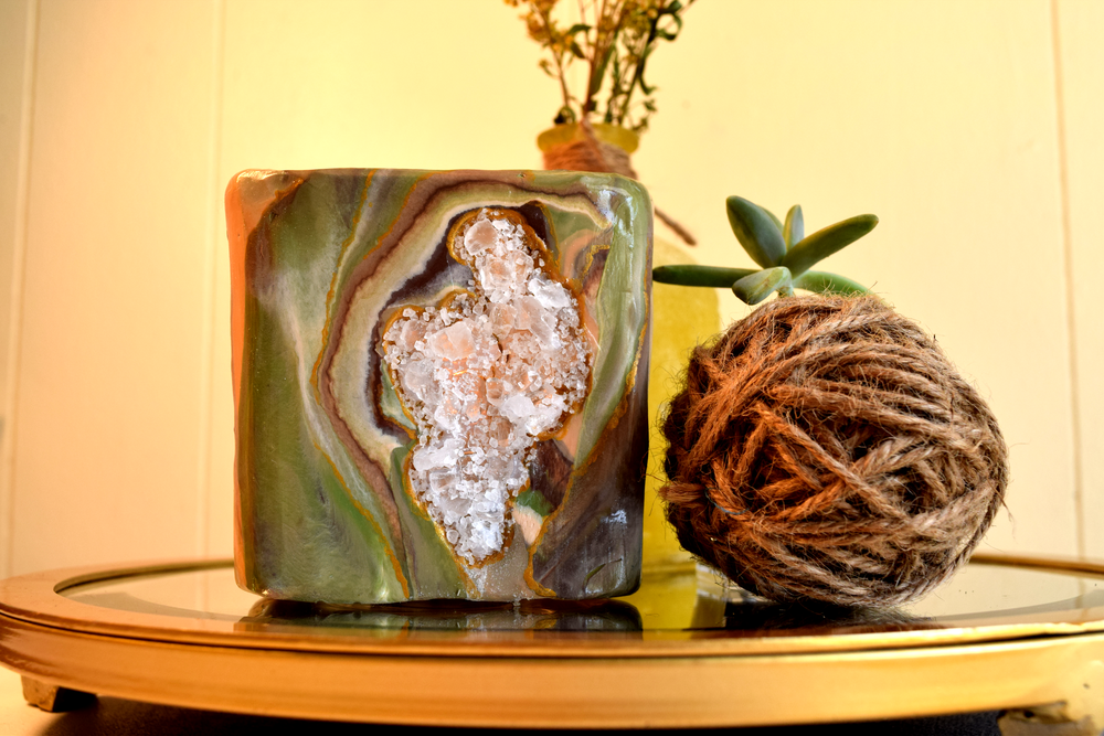 agate geode DIY display