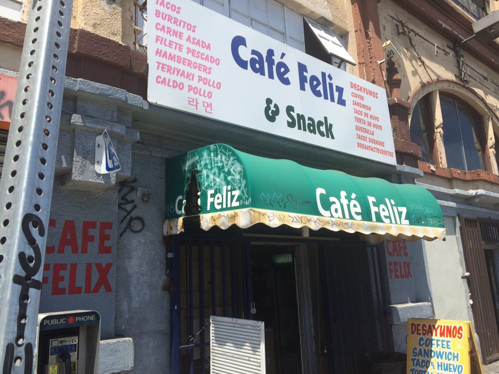 If you are going to Café Feliz, prepare to perspire. Photo by Dan Johnson.
