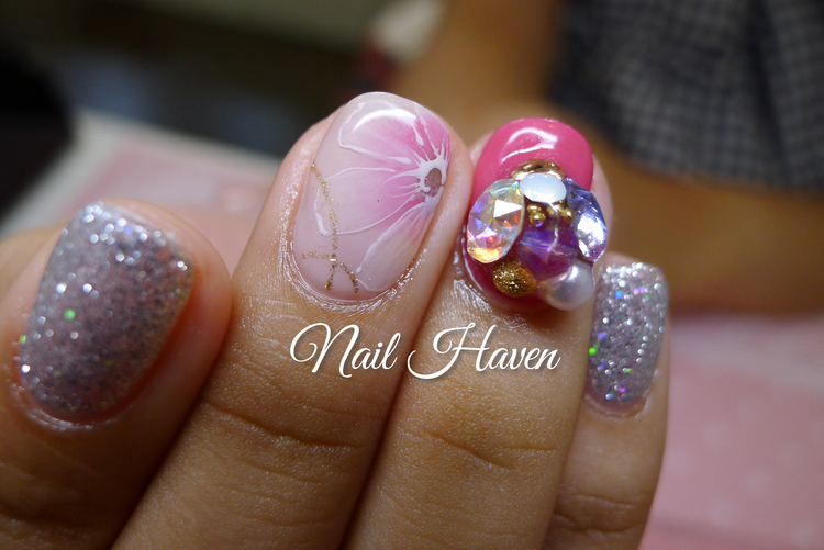 e624d8418a34 ... just 1 accent nail definitely stands out among the other plain nails!  Crystal Clusters mostly matches sweet or elegant designs. Crystal Clusters  mostly ...