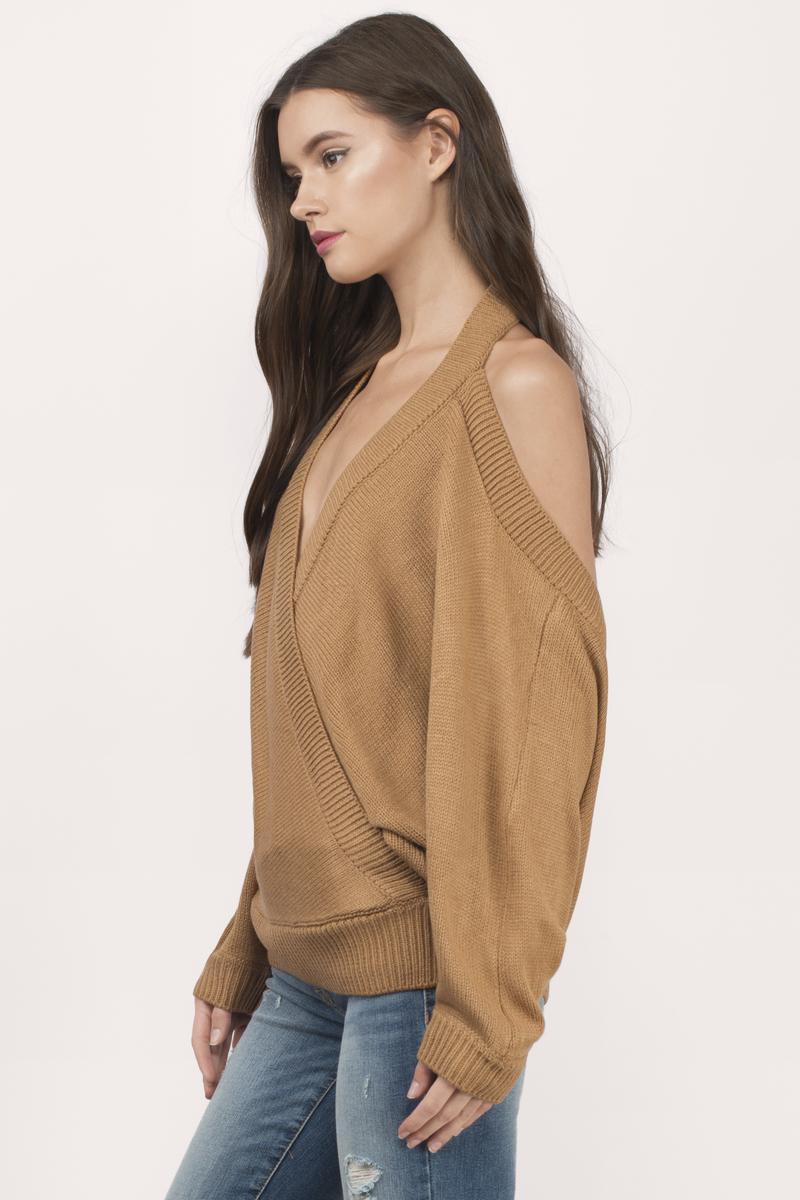 Chrystal_lacza_camel-evana-halter-sweater-1.jpg