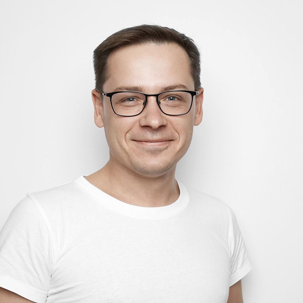 Yaroslav - photographer/owner