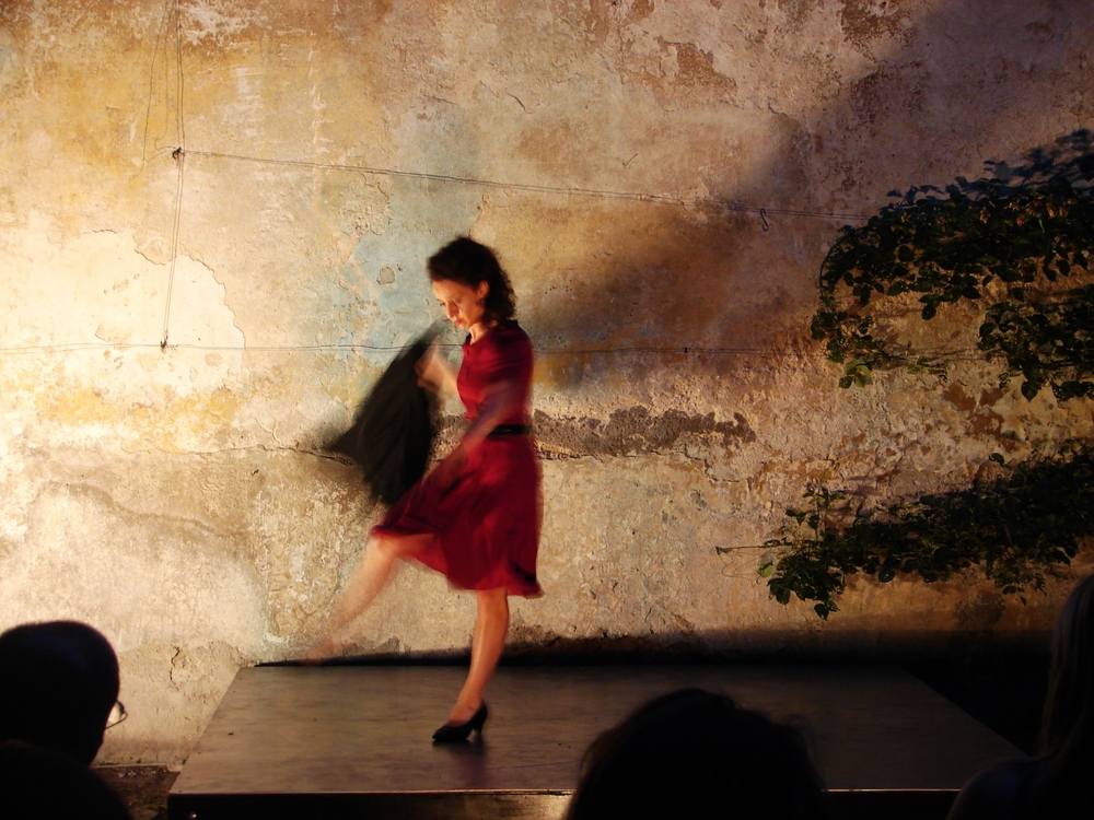 Cristina Spina in the title role of András Visky's Juliet, performed in the courtyard of Palazzo Simoncelli, June 2012 (Photo by John Skillen)