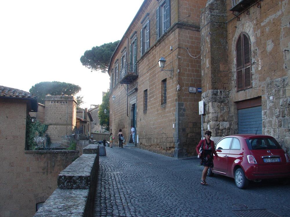 Approaching Palazzo Simoncelli
