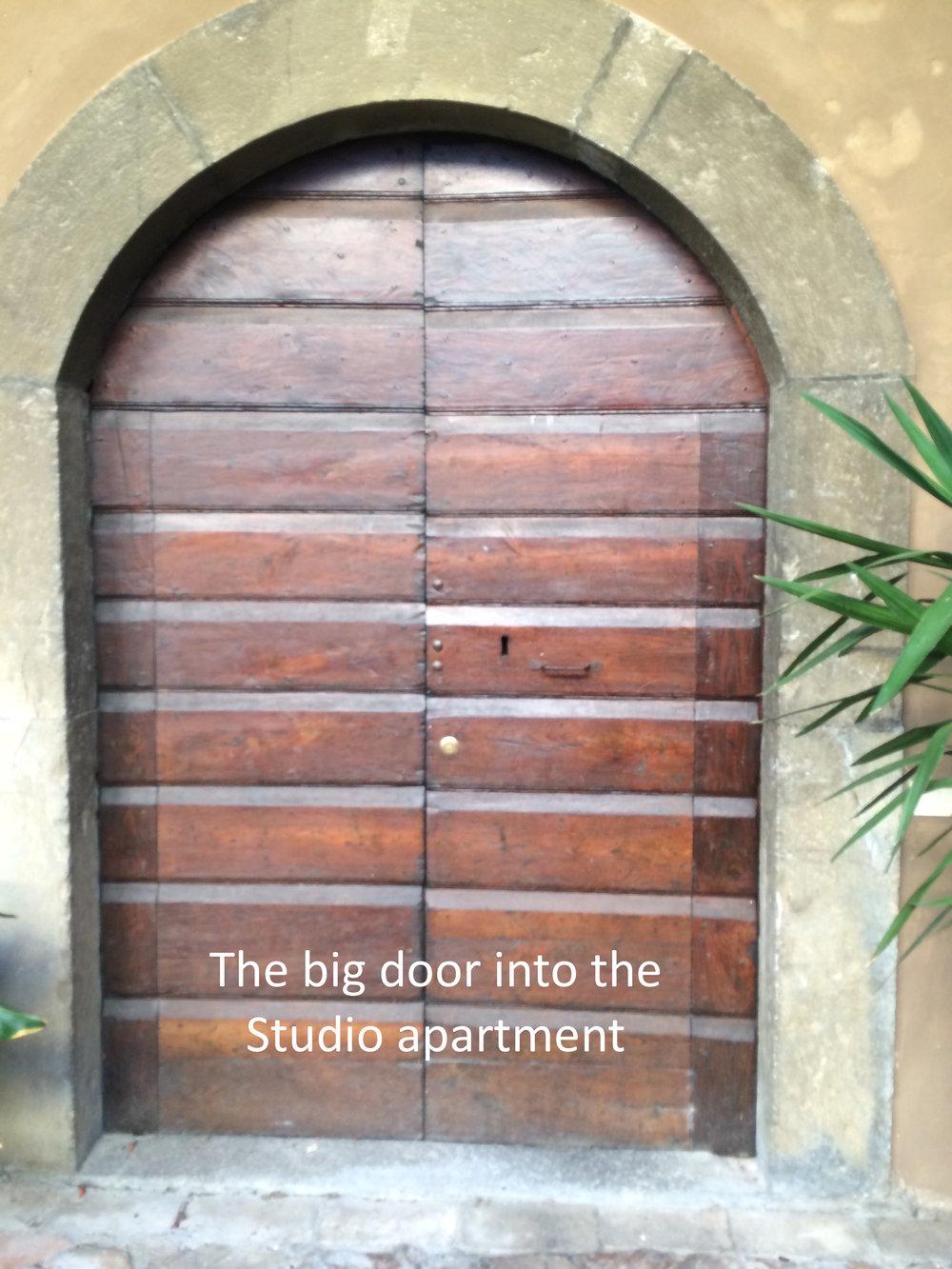 #7 Door into Studio apartment.JPG