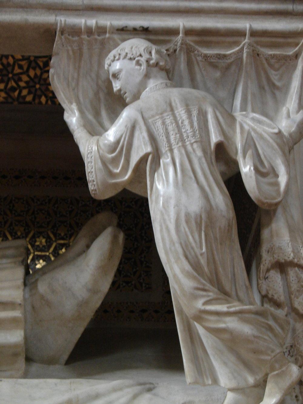 10 Cardinal tomb San Domenico.jpg