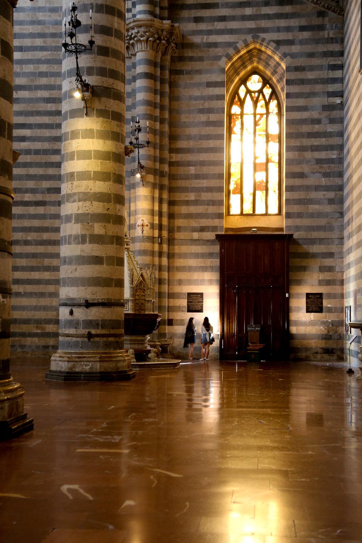 8 Scavo Duomo inside.jpg