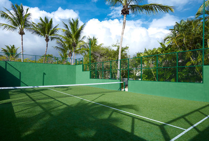 For active guests, Casablanca has a private gym with high-end exercise equipment and range of weights. The villa also has its own Astroturf tennis and paddle court.