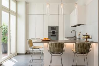 cuisine-ouverte-grand-appartement-parisien-avec-terrasse-a-louer-319x213.jpg