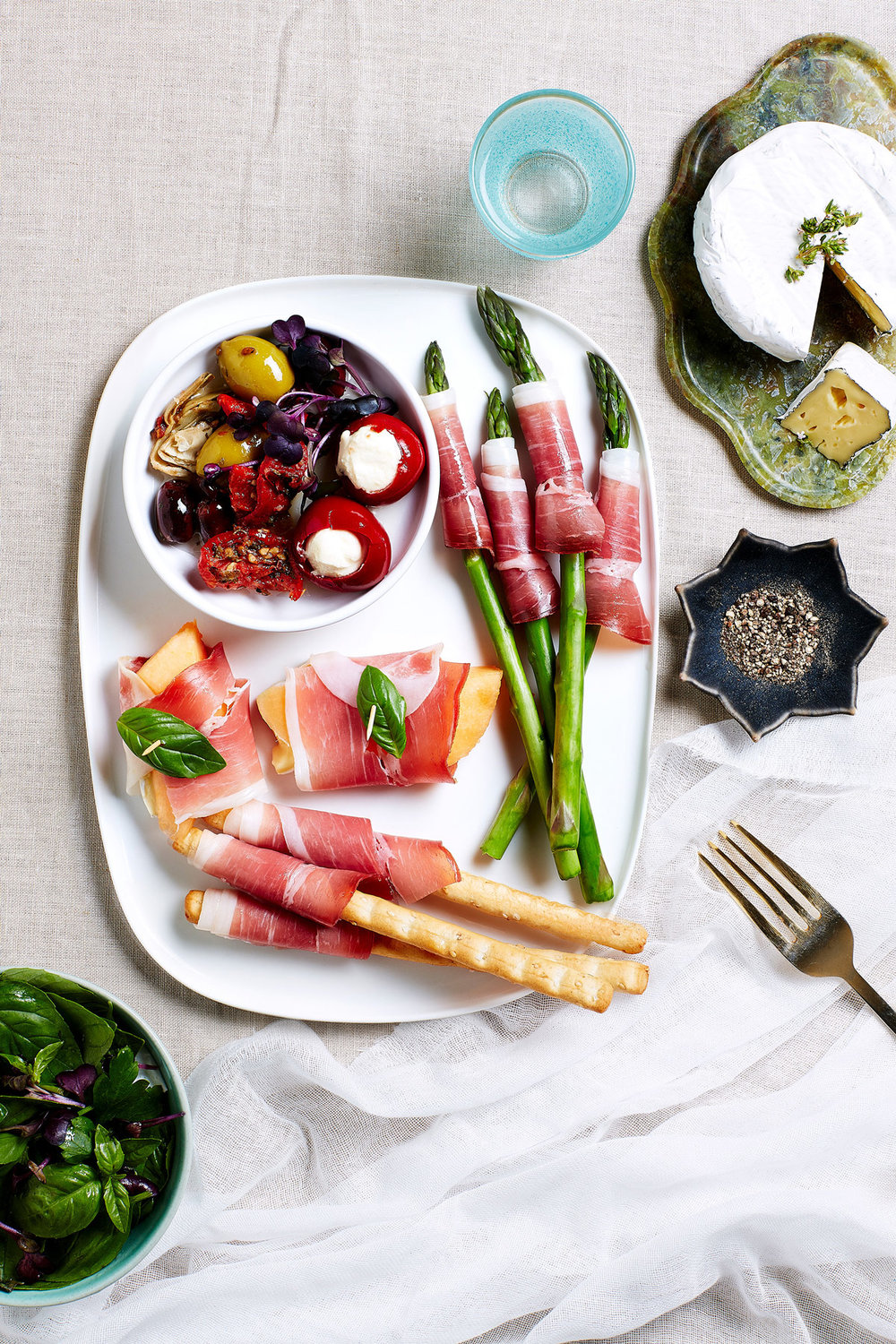 Primo proscuitto appetisers, asparagus, rockmelon and grissini.