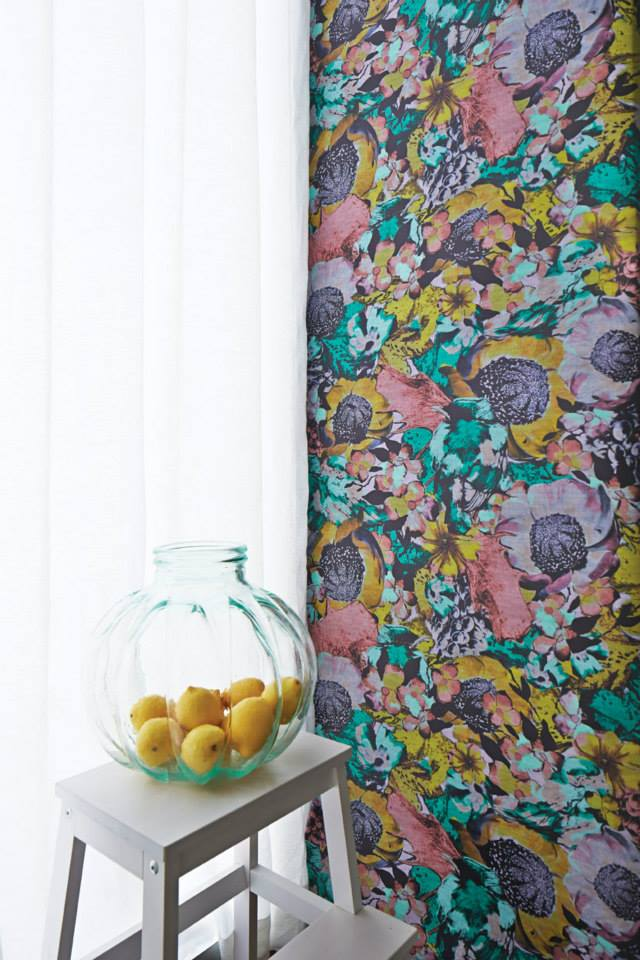 Felicity wallpaper in Silk Road colourway