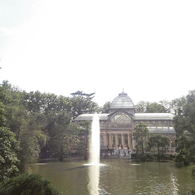Lovely day in #Madrid #summer #elretiro #park #parque #fountain