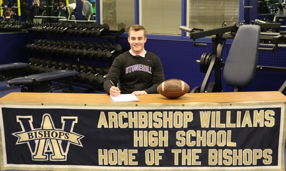 Congratulations to Senior Casey Earle as he recently signed a National Letter of Intent to play Football at D.2 Stonehill College in Easton, MA.  The AWHS Community & AWHS Athletics/Football family is proud of this Bishop for his accomplishments!