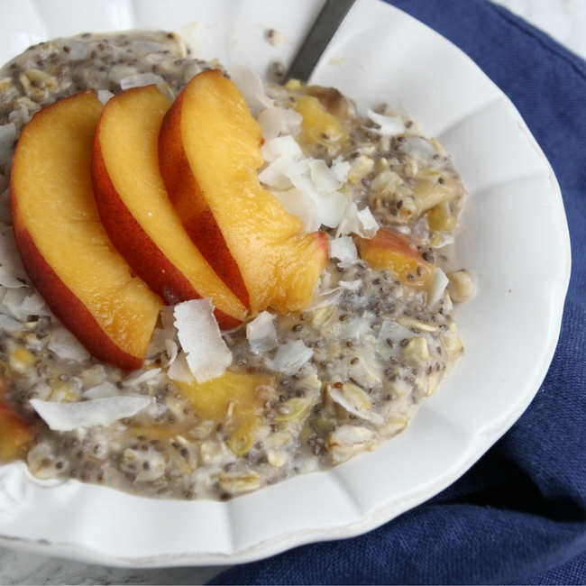 Super Simple Banana Peach Chia Oats! // Make these in 5 minutes and great for vegans, vegetarians and gluten-free eaters!