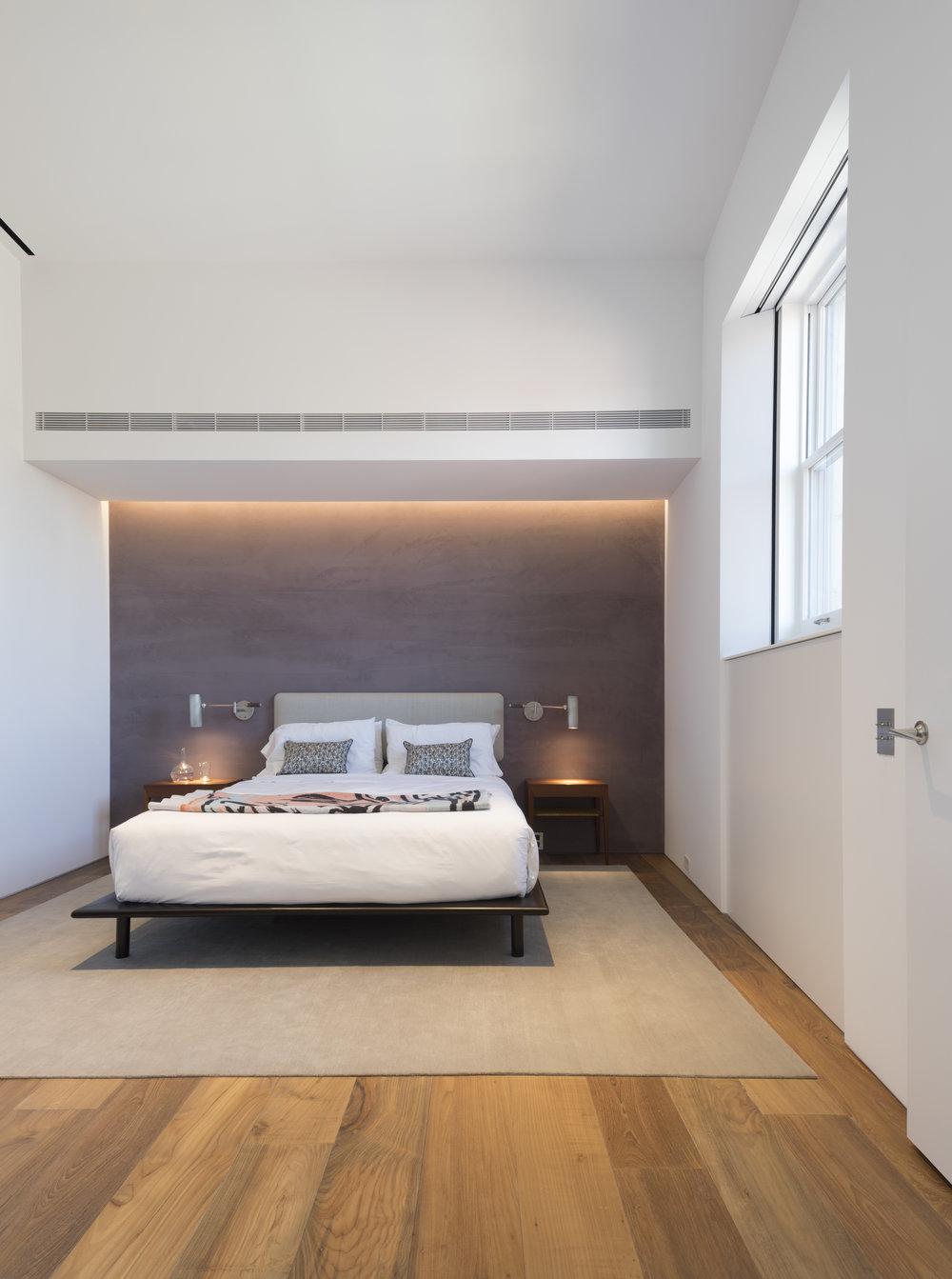 Police-Building-Apartment_Selldorf-Architects_Nicholas-Venezia_04.jpg