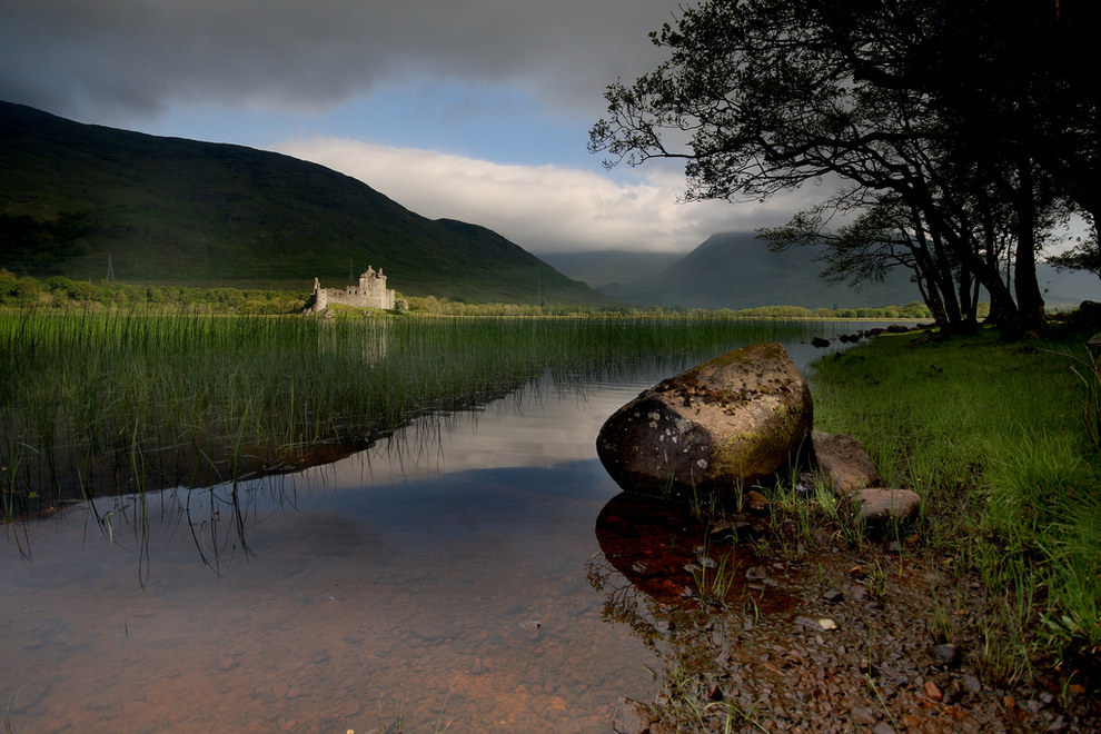 Kilchurn Castle, Loch Awe -    via